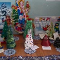 Фотоотчет о проведении конкурса «Новогодние елочки»
