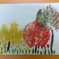 Фотоотчет «Осенние деревья в технике отпечаток»