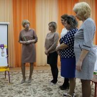 Мастер-класс для педагогов «Роспись юбки дымковской куклы»