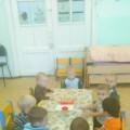 Конспект НОД по изобразительной деятельности «Яблочки для ёжика» в группе раннего возраста