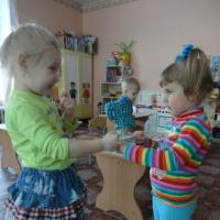 Работа по проекту «Учимся дружить»