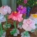 Мастер-класс по изготовлению цветов из гофрированной бумаги (для декораций зала)