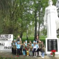 Экскурсия к памятнику «Землякам-воинам» со старшими дошкольниками