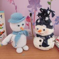 Фотоотчёт о выставке творческих работ «Шли в поход снеговики»