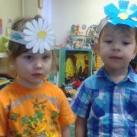 Подвижная игра для детей младшего дошкольного возраста «Садовник и цветы»