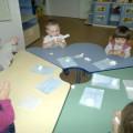 Конспект занятия по конструированию в первой младшей группе детского сада «Снеговик»