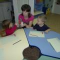 Конспект занятия по рисованию в первой младшей группе детского сада «Вам, малыши, цветные карандаши»