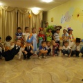 Краткосрочный проект ко Дню матери «Бумажное дефиле» в средней группе детей 4–5 лет.