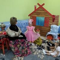Фотоотчет об инсценировке сказки С. Маршака «Кошкин дом»