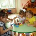 Фотоотчёт «Как мы играем в логические игры с цветными счётными палочками Кюизенера»