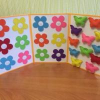 Дидактическая игра «Цветы для бабочек» из фетра