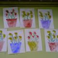 Рисование «Цветы для мамочки» 2 младшая группа, в технике отпечаток с дорисовкой отдельных деталей.