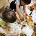 Конспект занятия по изобразительной деятельности «Платье для куклы Кати» в первой младшей группе.