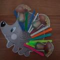 Обучающая игра для детей среднего дошкольного возраста по ознакомлению с окружающим миром «Украсим Ёжика»
