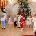 Сценарий новогоднего утренника в ясельной группе «Дед Мороз, тебя мы ждём»