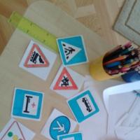 Дидактическая игра по ПДД для второй младшей группы. Кубики «Дорожные знаки»