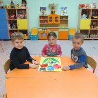 Детский мастер-класс по изготовлению коллективной открытки ко Дню матери своими руками (старшая группа)