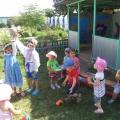 Справка о проведении развлечения в младшей группе «Раз, два, три, четыре, пять— будем с мячиком играть»