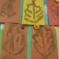 Нетрадиционные техники рисования (рисование песком) «Осенние листья»