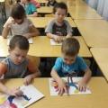 Нетрадиционная техника рисования пластилинография. Рисунок Жар-птица. Исполнители дети старшей группы «Солнышко»