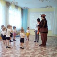 Физкультурный досуг «В гости к Мишке косолапому»