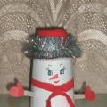 Снеговик-озорник. Мастер-класс по изготовлению снеговика из бросового материала