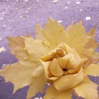 Художественное творчество детей с осенними листьями
