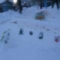 Оформление участка детского сада снежными постройками