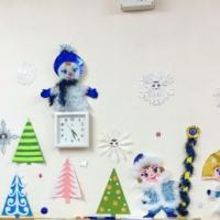 Новогоднее оформление детского сада «Новогодняя сказка с оленями и снеговиками»