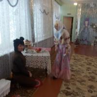 Фотоотчет «Прощание с нашей ёлочкой» по мотивам сказки «Морозко» совместное мероприятие для детей средней и старшей группы