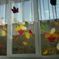 Осеннее оформление окон во второй младшей группе «Осенние фантазии»