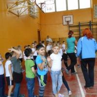 Фотоотчет соревнования первоклассников школы и воспитанников детского сада