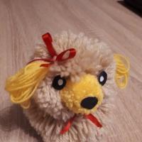 Мастер-класс «Собачка из помпонов с бантиком»