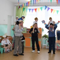 Фотоотчёт о мероприятии в средней группе «А ну-ка, папы», посвящённом Дню защитника Отечества