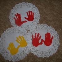 Мастер-класс по рисованию ладошками «Салфетка для любимой мамочки»
