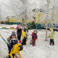 Наблюдение за первым снегом