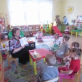 НОД по лепке с детьми раннего возраста «Строим домик для зайчика и петушка»