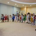 Новогодний сценарий праздника для детей ясельной группы «В гости к ёлке»