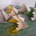 «До чего же эта птица красотой своей гордится». Детские поделки. Оригами