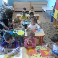 Фотоотчет о занятии в средней группе «Подарки ко Дню матери»
