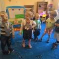 Фотоотчёт по ознакомлению младших дошкольников со сказкой