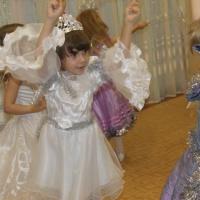 Сценарий новогоднего праздника для средней группы детского сада