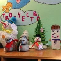 Фотоотчёт «Новогодний парад снеговиков и елочек»