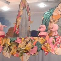 Фотоотчет о кукольном спектакле «Волк и три поросенка»