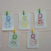 Конспект НОД по изобразительной деятельности в первой младшей группе «Украсим сарафан Матрешке»