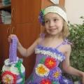 Мастер-класс «Платье из мусорных пакетов «Астры»