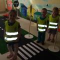 Конспект занятия по правилам дорожного движения в старшей группе детского сада «Наш весёлый светофор»