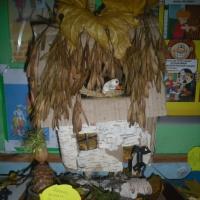 Фотоотчет о выставке поделок из природного материала «Осень золотая в гости к нам пришла…»