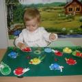 Дидактическая игра по сенсорному развитию для детей второй группы раннего возраста «Волшебная полянка»