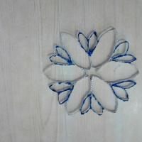Мастер-класс «Новогодняя снежинка» из бросового материала